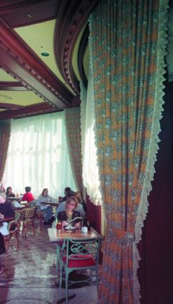 Bellagio Restaurant with Motorized Draperies and Shades